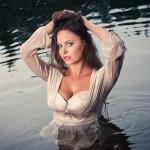 модель Оля, озеро, лето