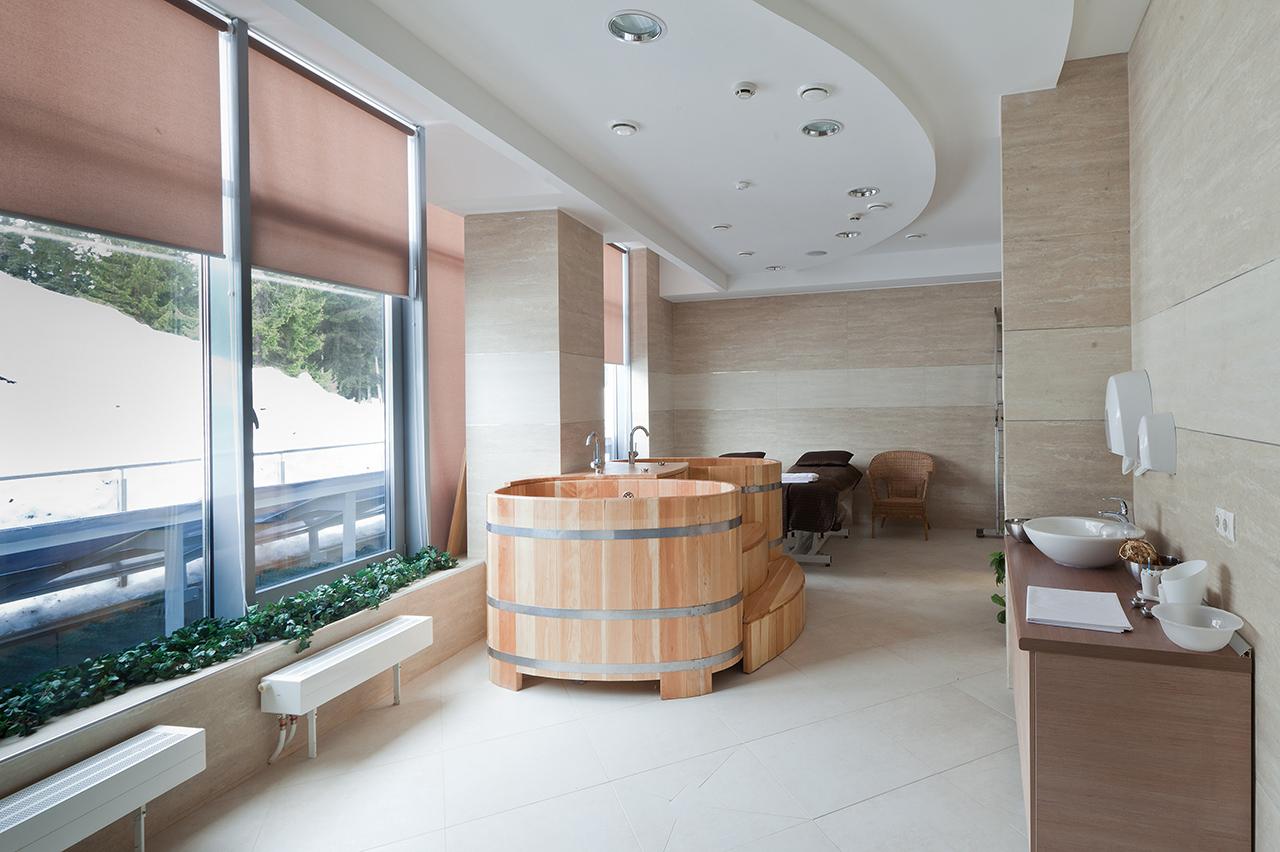 интерьер отеля - японские ванны