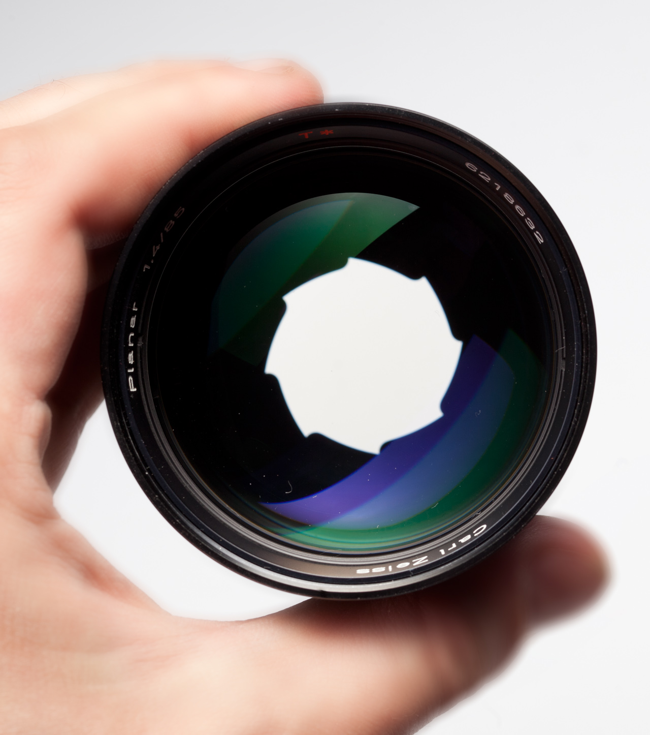 German Carl Zeiss Planar 85/1.4 with aperture closed to F2
