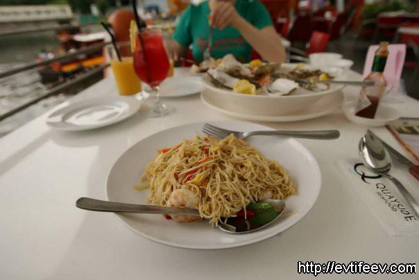 нудлы (noodles) с креветками
