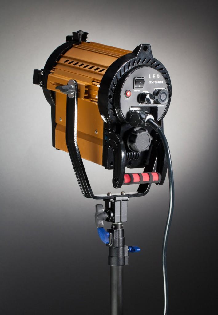 Недорогие приборы с линзой Френеля для фото и видеосъемки