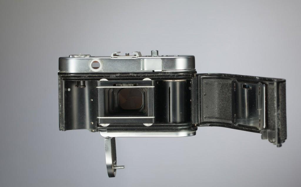 Старая плёночная дальномерная камера -  Voigtländer Vito B