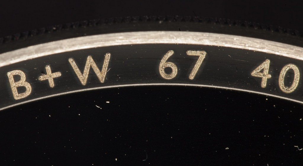 Старый шрифт настоящего фильтра B+W