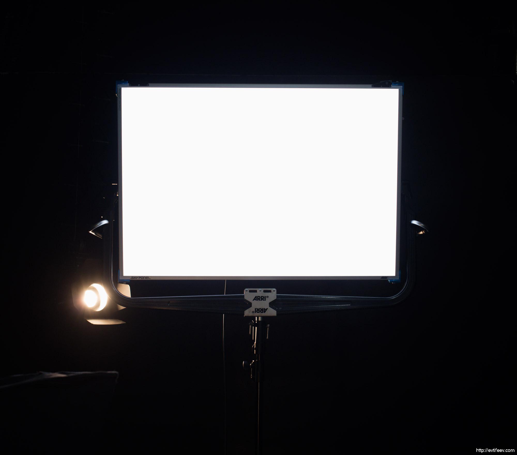 Обзор светодиодной осветительной панели Arri Sky Panel S 360-C