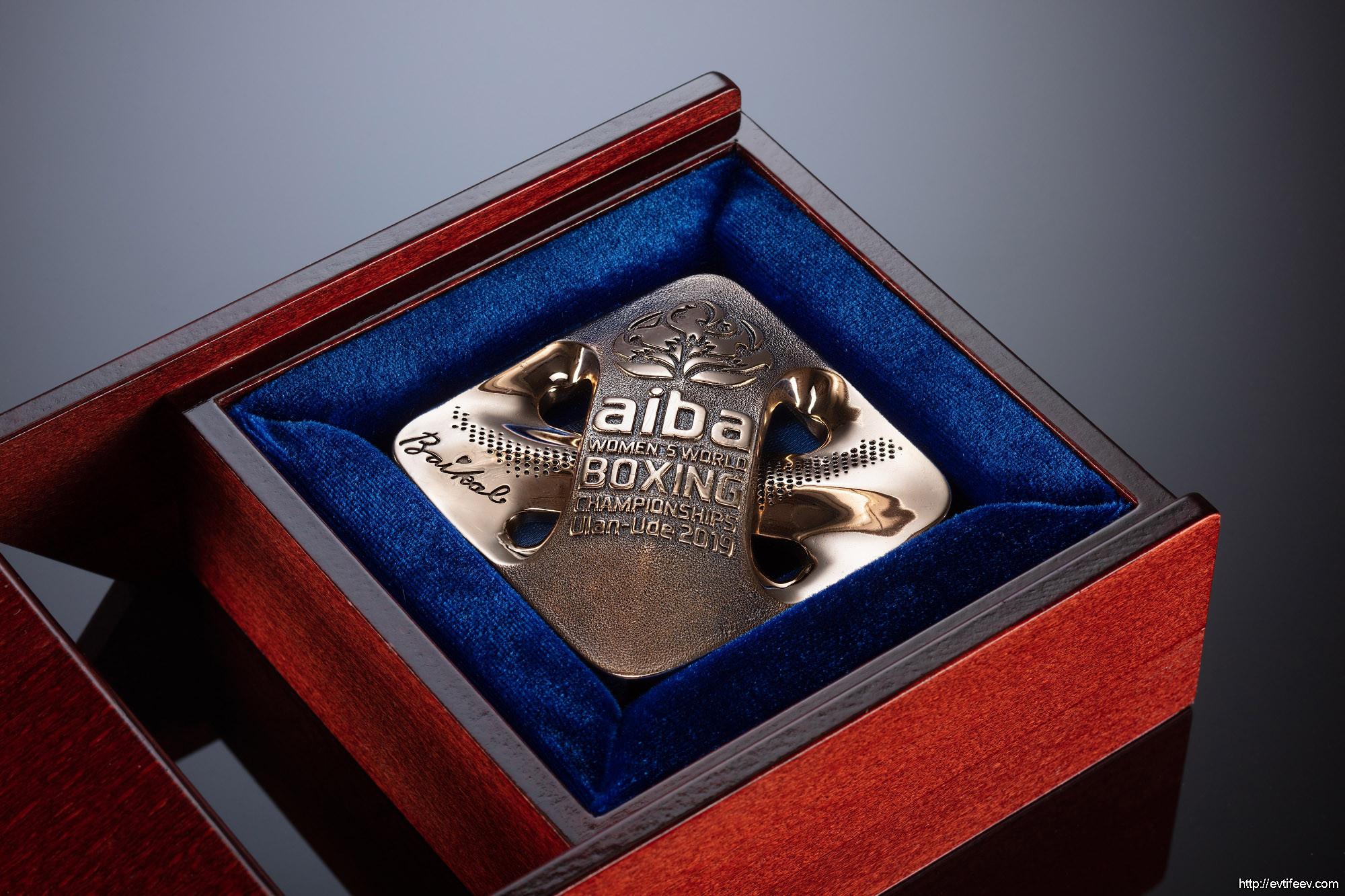 Фотосъемка монет и изделий со сложной гравировкой
