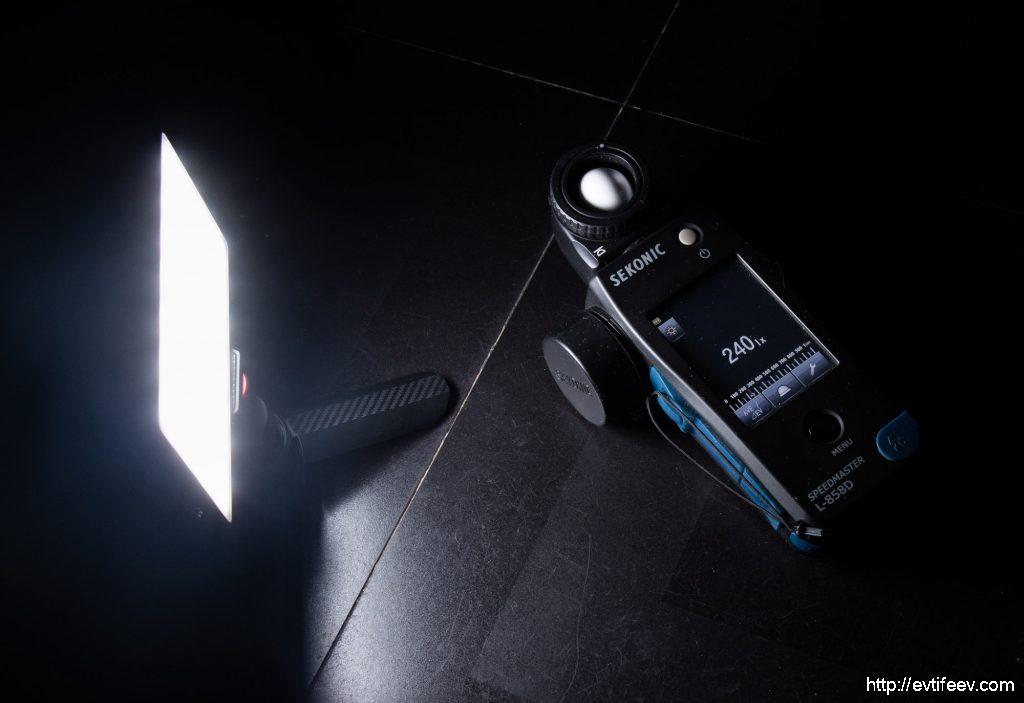 Обзор компактного осветительного устройства LAOFAS Rainbow Fresh Full Color RGB LED Video Light